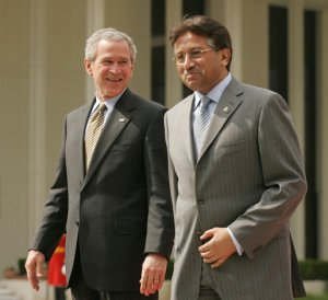 general Musharf and president Bush happy for Pakistan assistance in Afghanistan after 9/11